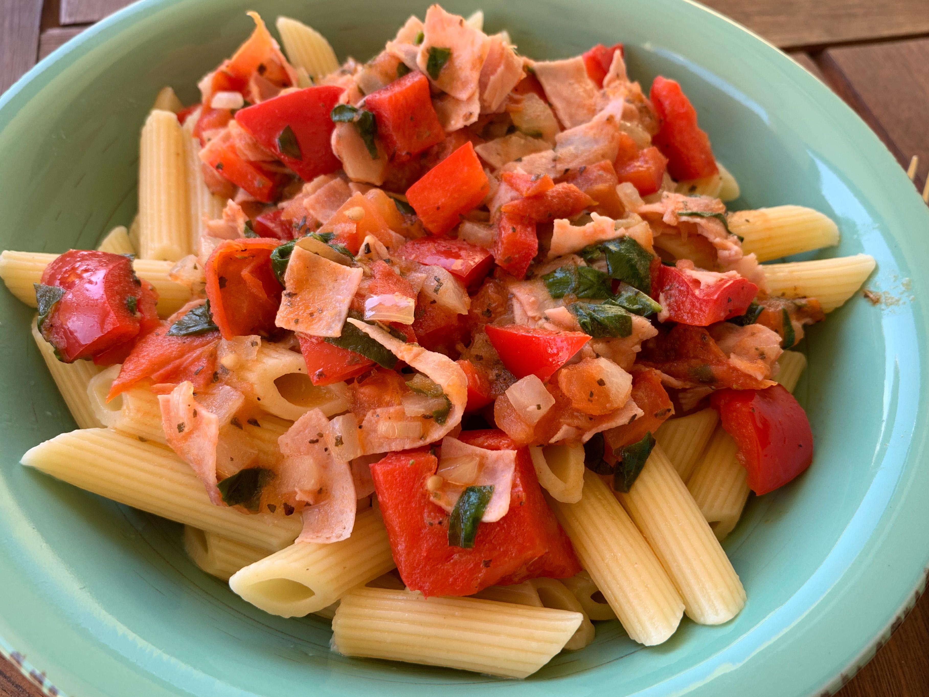 Těstoviny a la italiano - těstoviny s rajčaty a paprikami